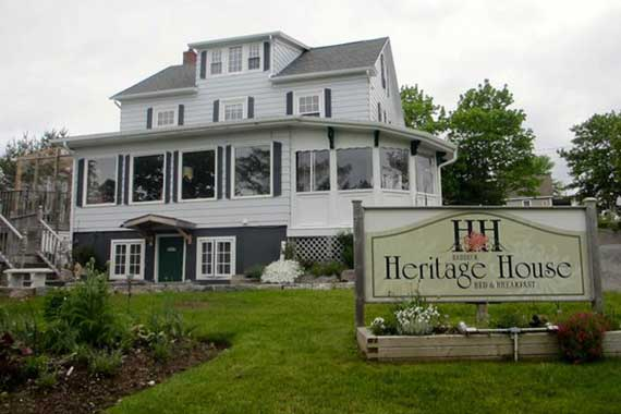 Baddeck Heritage House Bed & Breakfast