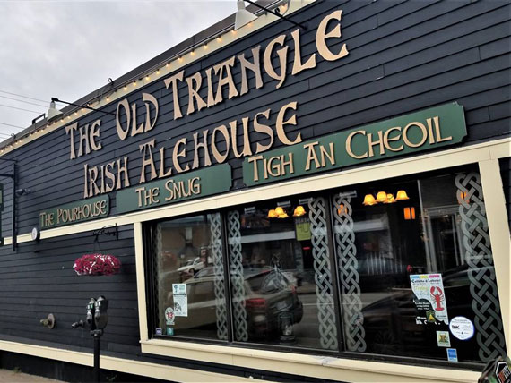 Ceilidhs & Lobster at The Old Triangle Irish Alehouse