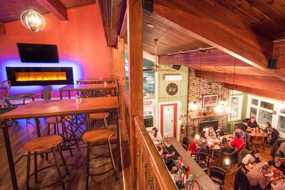 The Frolic'n Folk Pub & Grill – Iona Heights Inn